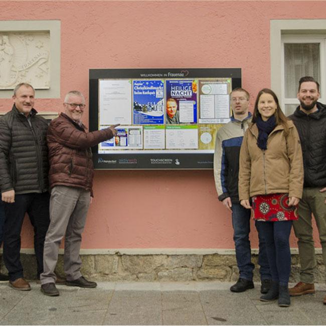 Fünf interaktive Anschlagtafeln informieren seit Dezember 2018 die Frauenauer Bürger über öffentliche und amtliche Bekanntmachungen