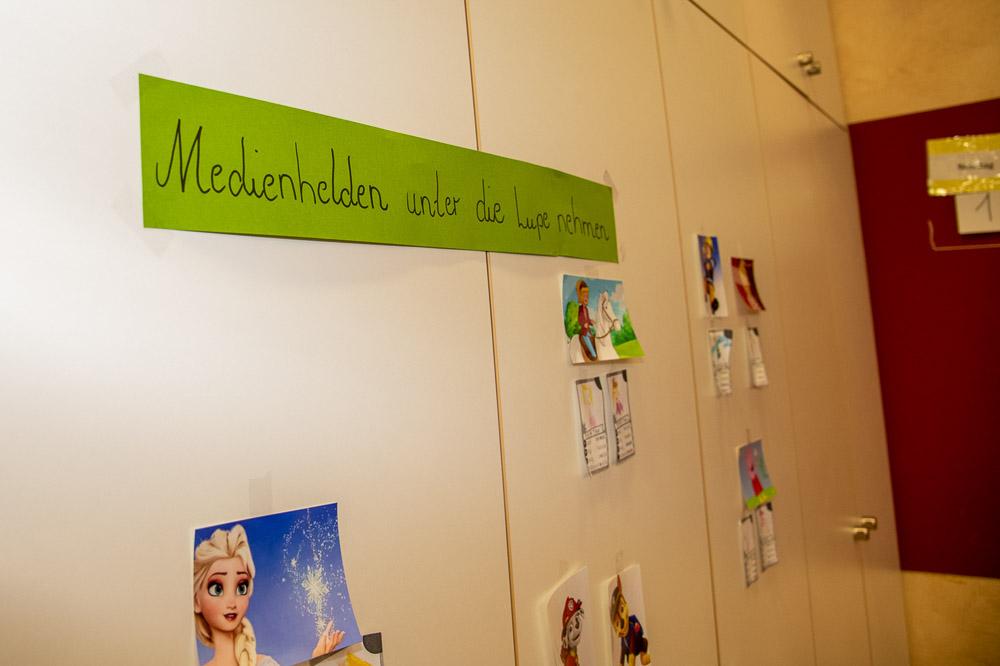 Kindergarten Spiegelau nimmt Medienhelden unter die Lupe